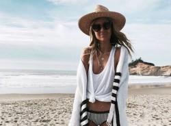 Αναβάθμισε το beachstyle: Να τι θα φοράς πάνω από το μαγιό σου