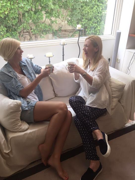 Δοκιμάσαμε τα νέα ρούχα Manila Grace, σ΄έναν πρωινό καφέ!