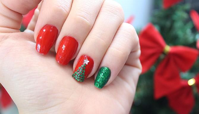 10 νέα χριστουγεννιάτικα μανικιούρ με σχέδια και χρώματα