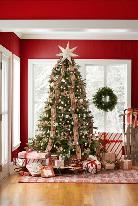 e5ab831968fe 17 νέες ιδέες για να στολίσουμε το χριστουγεννιάτικο δέντρο μας φέτος!