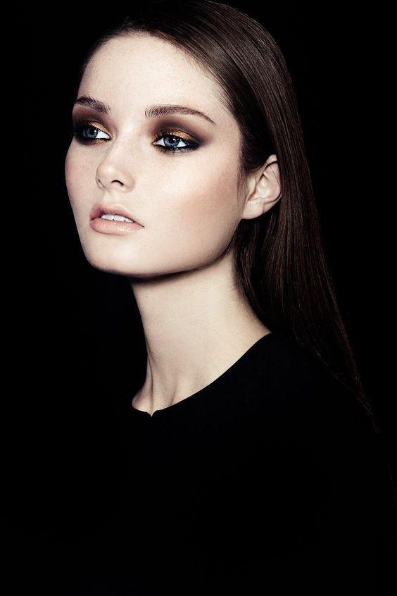 10 μακιγιάζ για καστανές Τι ταιριάζει με το χρώμα των ματιών σας;