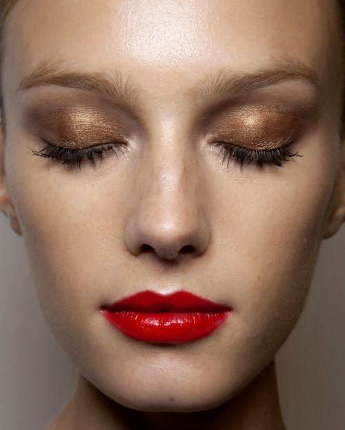 Τα λαμπερά μακιγιάζ για το ρεβεγιόν
