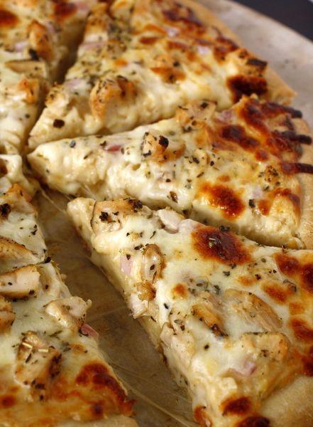 Περίσσεψε κοτόπουλο; 8 φρέσκα πιάτα με τις συνταγές τους