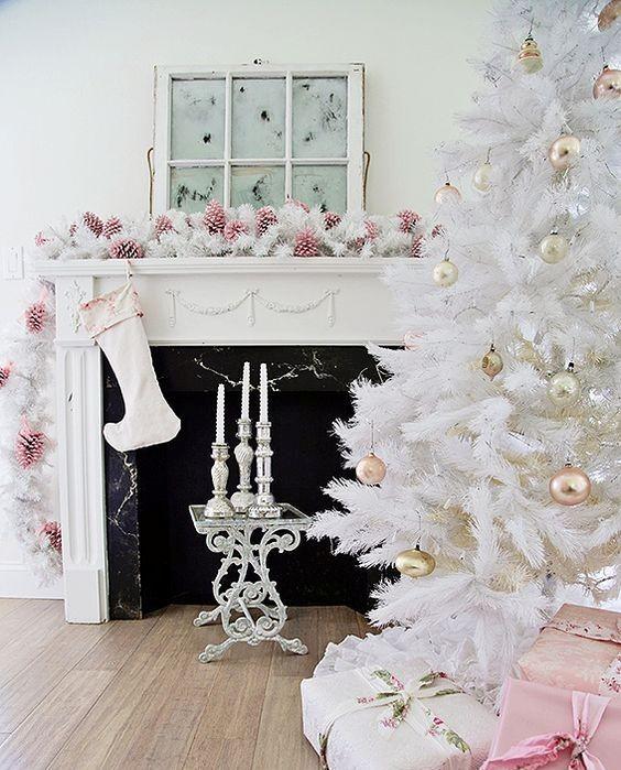 Στολίστε το χριστουγεννιάτικο δέντρο στα λευκά