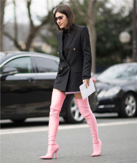 daad75b3c8 Πώς θα φορέσεις φέτος τις over the knee μπότες σου (πάνω από το γόνατο)