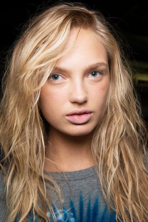 6 καλοκαιρινά μακιγιάζ για να κάνετε μόνη σας και να είστε υπέροχη