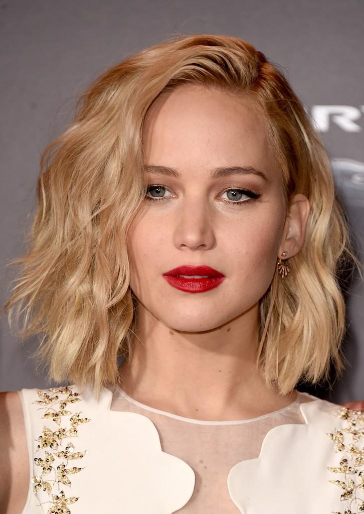 Αναδείξτε το καρέ κούρεμά σας: 9 χτενίσματα για καρέ μαλλιά