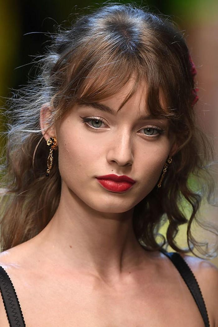 Τα ωραιότερα μακιγιάζ με κόκκινο κραγιόν για την άνοιξη 2017