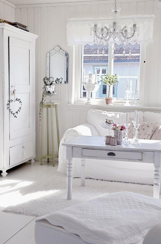 Πώς θα δημιουργήσετε μια ρομαντική ατμόσφαιρα σπίτι σας