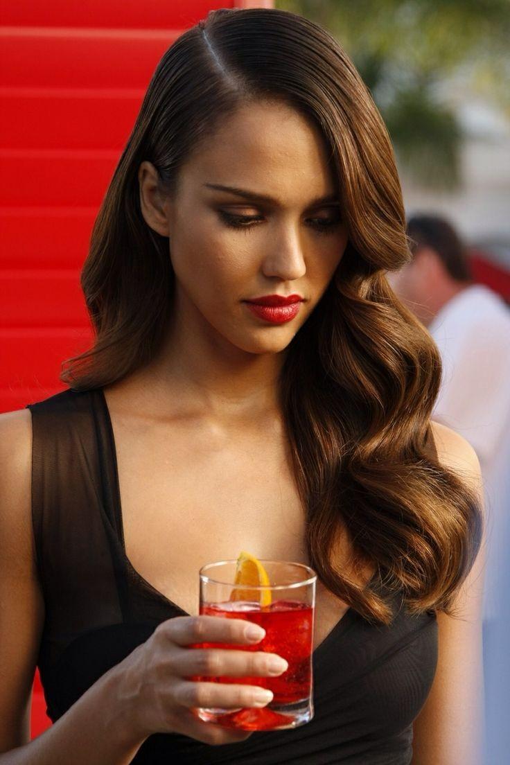 Τα πιο sexy χολιγουντιανά χτενίσματα για μια ιδιαίτερη βραδινή έξοδο