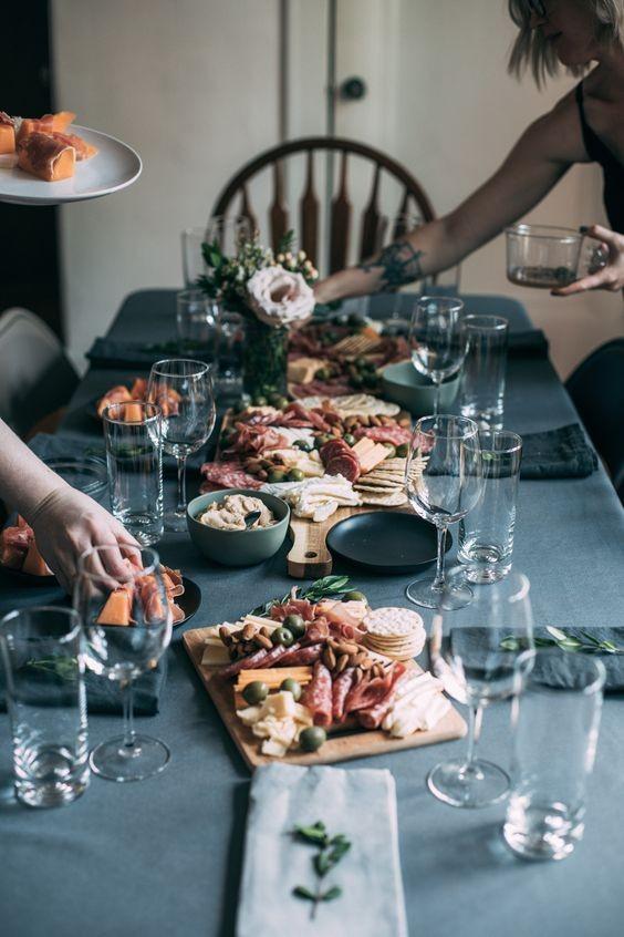 Τα μυστικά του τέλειου δείπνου για να μείνει αξέχαστο