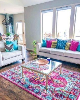 Iδέες για να ανανεώσεις το σαλόνι σου βάζοντας χρώματα