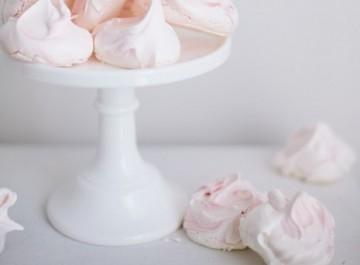 Αφράτες πανεύκολες ροζ μαρέγκες