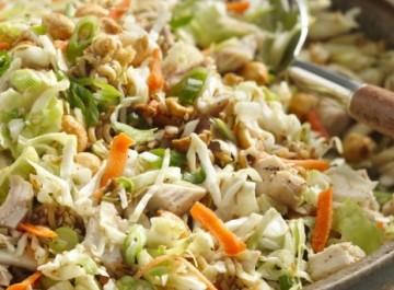 Τραγανή σαλάτα με κοτόπουλο