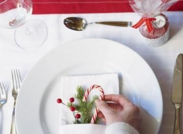 Πώς να διακοσμήσετε το τραπέζι των γιορτών