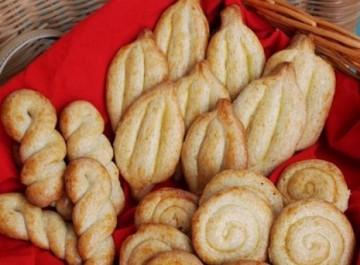 Κουλουράκια πασχαλινά και μυρωδάτα (εύκολη συνταγή)