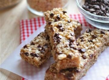 Ιδανικό σνακ ενέργειας: Σπιτικές μπάρες δημητριακών (συνταγή)