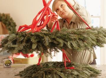 Κρεμάστε τα χριστουγεννιάτικα στεφάνια σας!