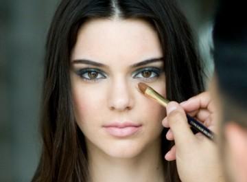 Βήμα βήμα μακιγιάζ : Kendall Jenner, Adele, Kardashian, Selena Gomez