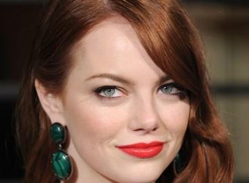 Κόκκινα μαλλιά: Όλες οι κόκκινες αποχρώσεις που προτιμούν οι stars