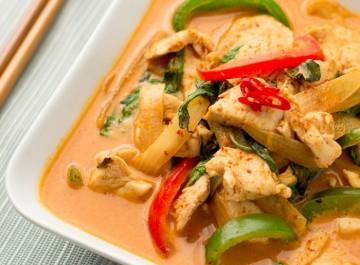 Γρήγορη ταϋλανδέζικη συνταγή: Κοτόπουλο με κάρυ
