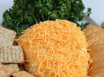 Πασχαλινή τυρένια μπάλα σε σχήμα καρότου