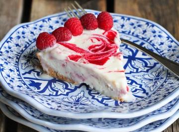 Ελαφρύ καλοκαιρινό γλυκό: Παγωμένη τάρτα γιαουρτιού με φρούτα