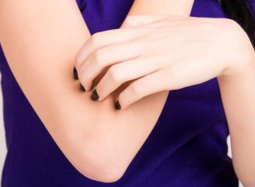 Ξηροί αγκώνες και γόνατα; Φυσικές λύσεις για απαλό δέρμα στο λεπτό!