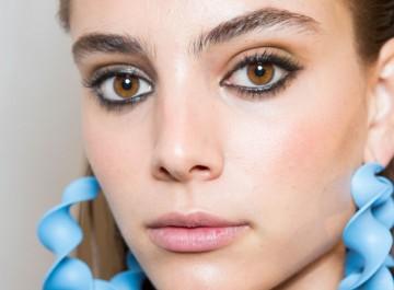 6 καλοκαιρινά μακιγιάζ για να κάνετε μόνη σας