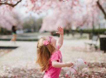 Πώς ένας γονιός κάνει το παιδί του να έχει χαμηλή αυτοεκτίμηση