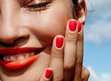 Τα μυστικά του καλοκαιρινού μακιγιάζ για να είσαι κούκλα