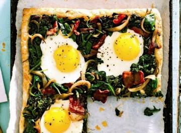 Ανοιξιάτικη τάρτα με σπανάκι και αυγά