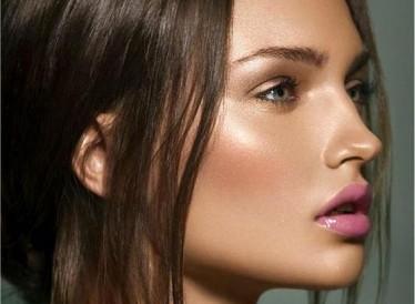 7 μυστικά μακιγιάζ για να βάφεστε σαν επαγγελματίας