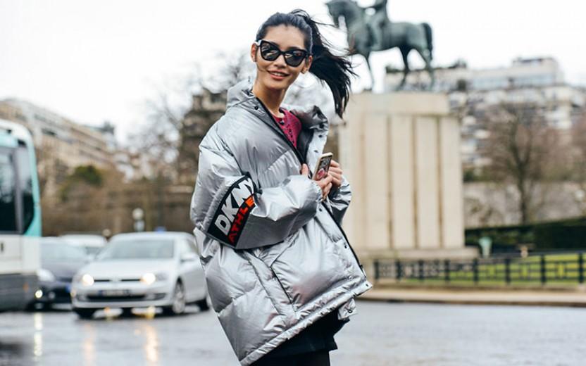 Puffer jacket: Πώς φοριέται το hot μπουφάν που επέστρεψε στη μόδα;