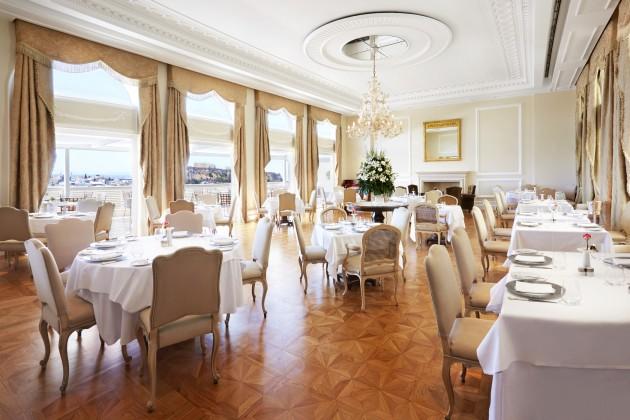 lux3929re-138270-Tudor Hall Restaurant Lounge