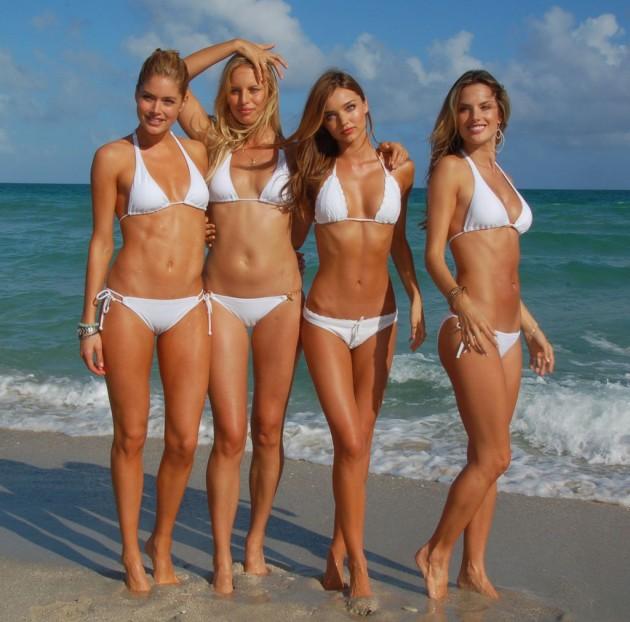 Victoria's Secret supermodel has no belly button